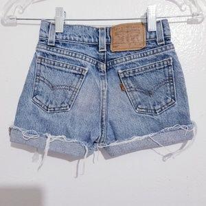 Vintage Levi's girl cut off shorts